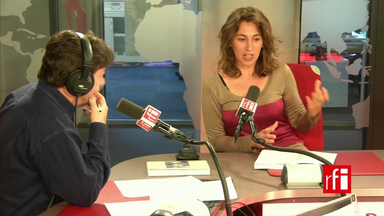 La antropologa Julieta Quirón con Jordi Batallé en RFI